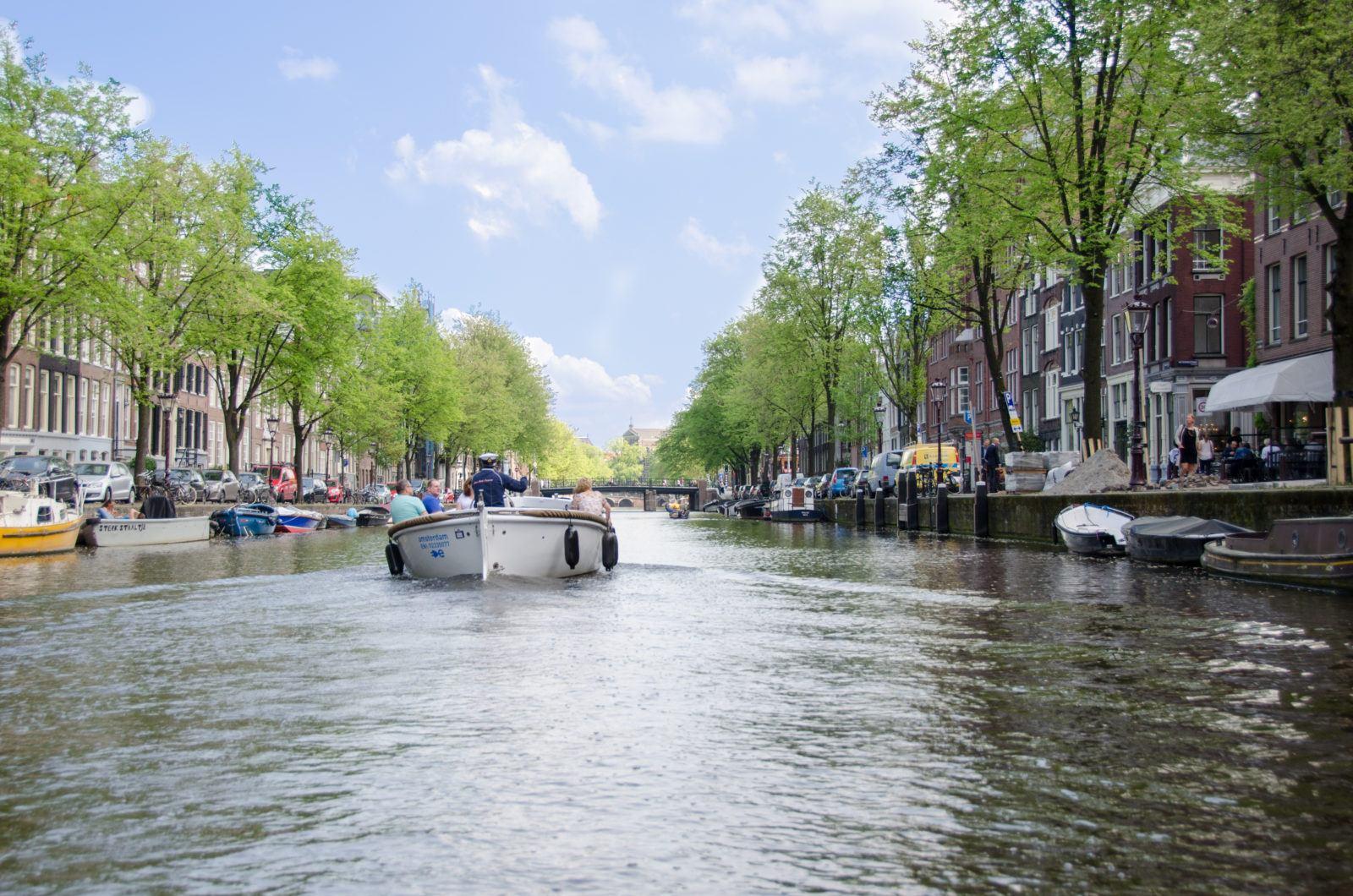 open boat amsterdam