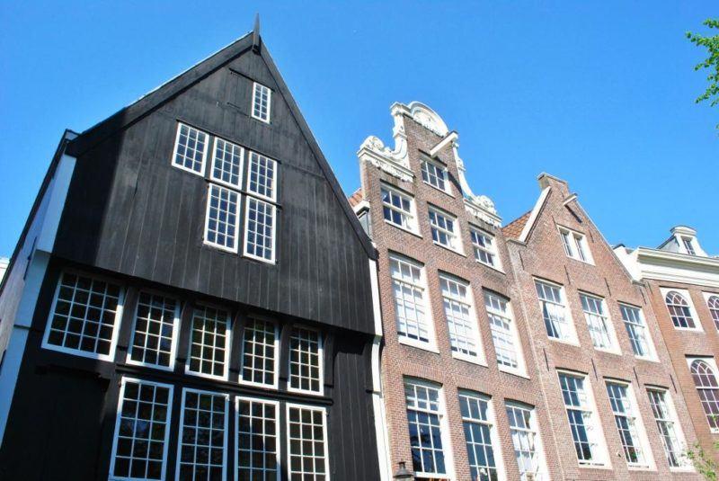 houten gevel Begijnhof 34