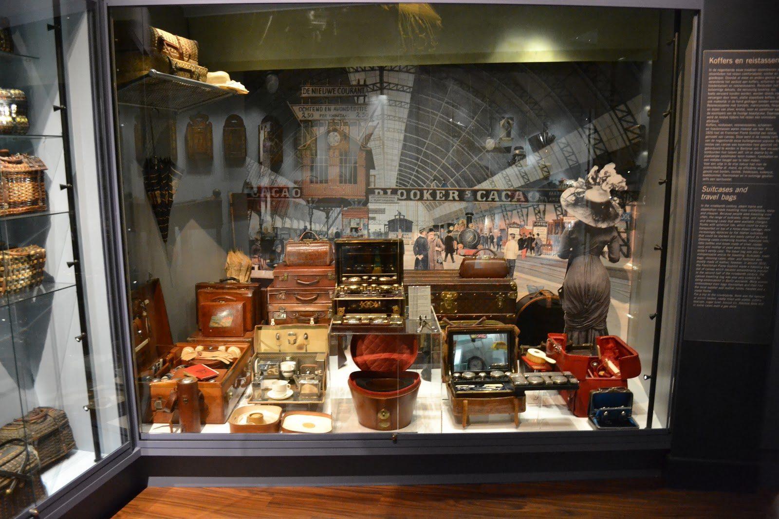 Sandqvist Tassen Amsterdam : Tassenmuseum hendrikje amsterdam canal cruises
