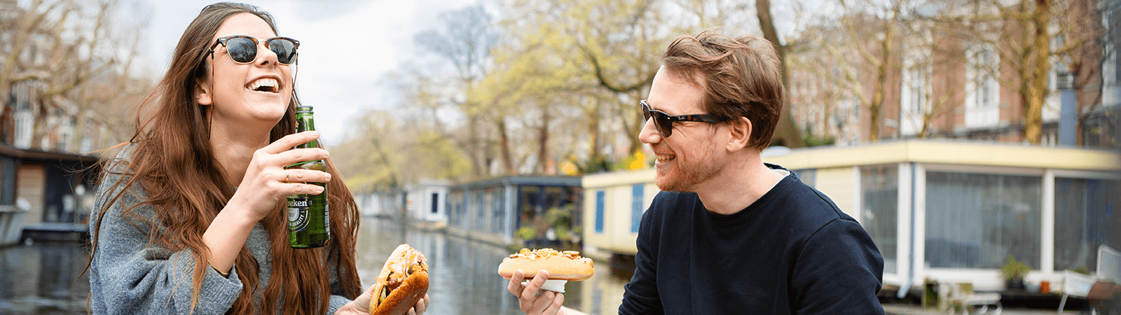 Burgers & Dogs Cruise Amsterdam | Blue Boat Company
